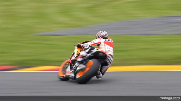 03_26pedrosa_pedrosa_crash_fp3_01_slideshow_169