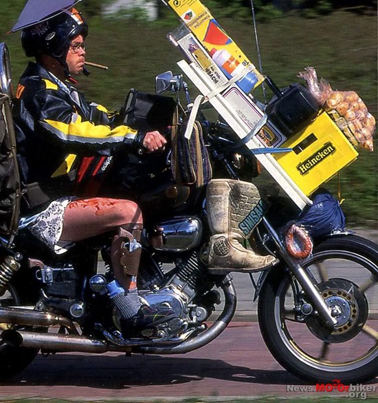 Motorcycle-Carrying-Cargo-162