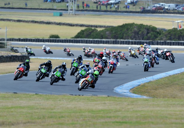 Race 1 International Classic Race Start 006