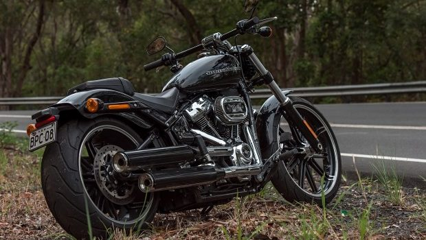 2018 harley davidson breakout 114 review thunder on bike me. Black Bedroom Furniture Sets. Home Design Ideas