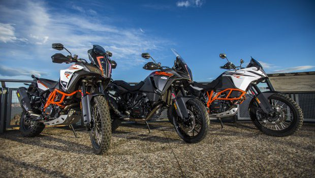 2017 Ktm Super Adventure R And S And The 1090 Adventure R Reviewed Reforging The Spears Bike Me